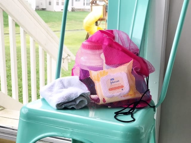 Don't forget your Johnson & Johnson Face Wipes in your gym bag essentials. They're great for wiping off sweat and taking a little cat bath to run errands after your workout.