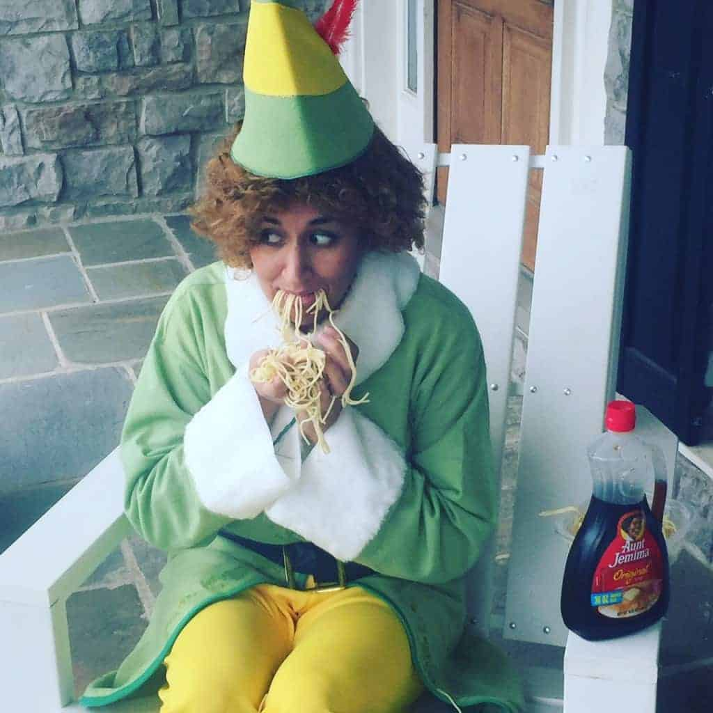 This Buddy the Elf costume makes me laugh so hard.