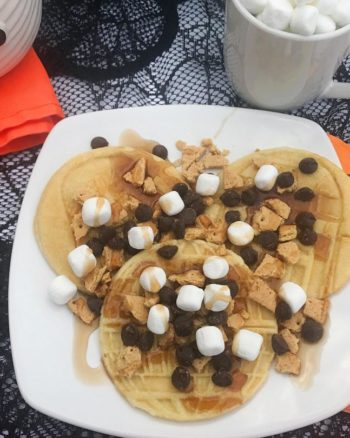 Make a delicious after-school snack for the kiddos - s'mores Stwar Wars pancakes!