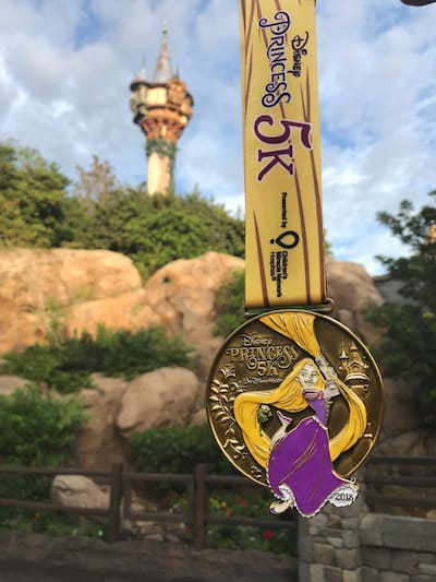 The Princess 5K Medals is my favorite of the 2018 Princess Half Marathon medals. Best. Day.Ever.