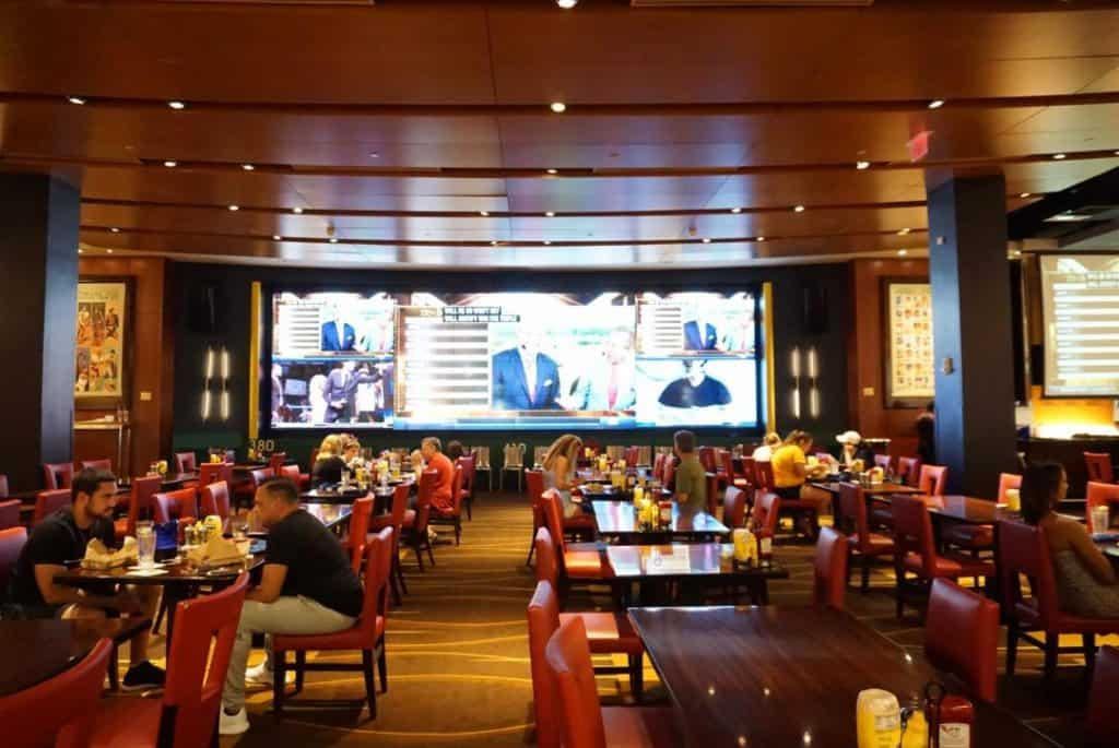 Watch your favorite sporting events at Gaylord National Harbor Restaurants like National Pastime Sports Bar & Grill!