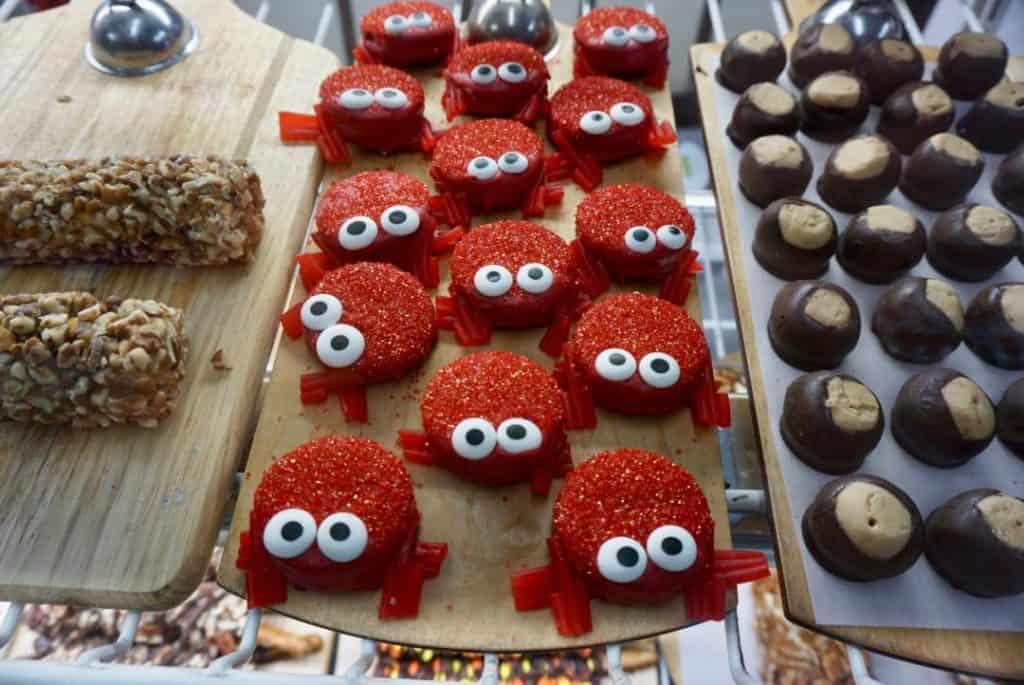 Find homemade treats and fudge at St. Simons sweets on St. Simons Island, GA.