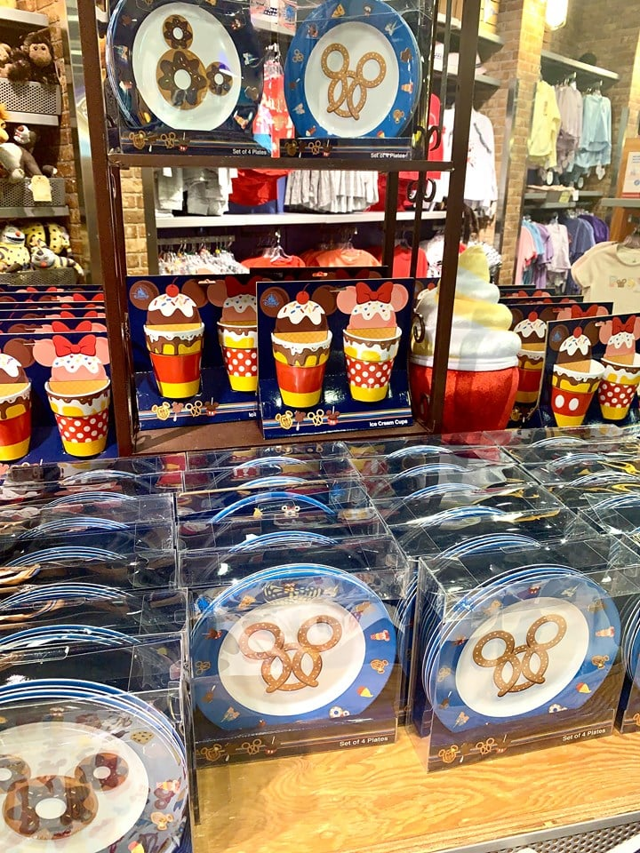Cheap Disney souvenirs at Disney Outlets in Orlando