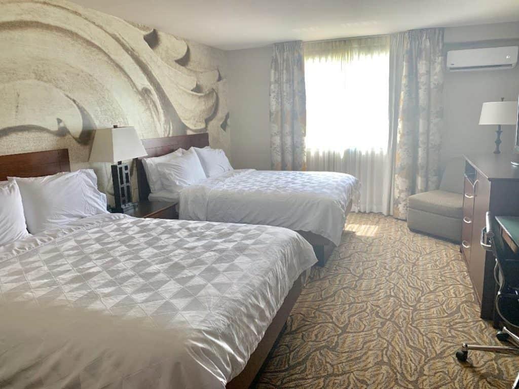 Holiday Inn & Suites Williamsburg-Historic Gateway rooms