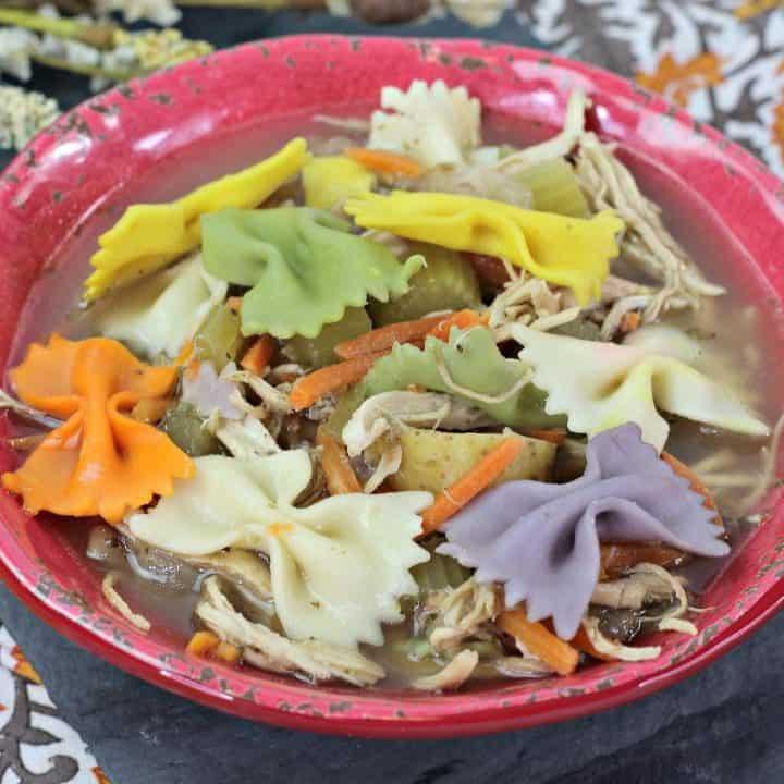 30-Minute Leftover Turkey Soup Recipe